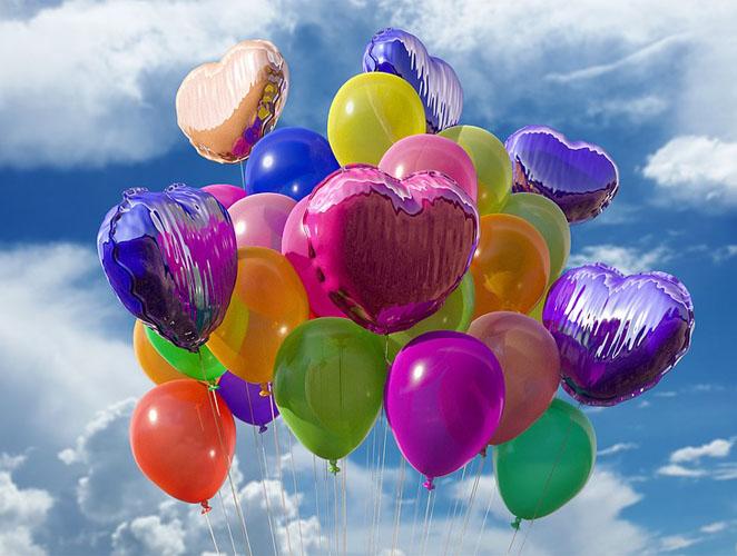 Heliumballons gefüllt mit Helium
